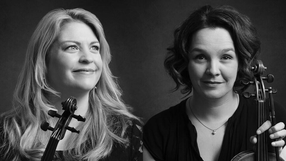 Deux femmes côte à côte tiennent un violon.