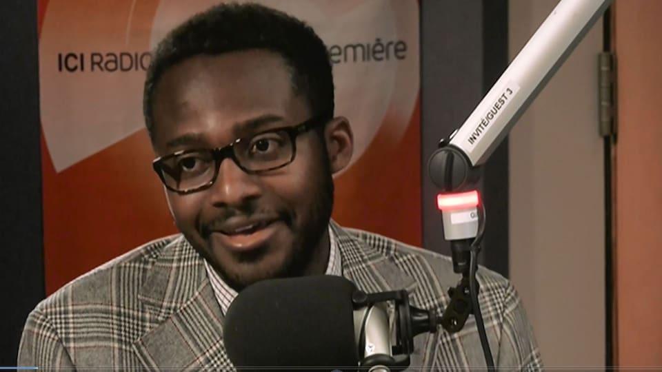 Ben Maréga au micro de Martine Bordeleau.