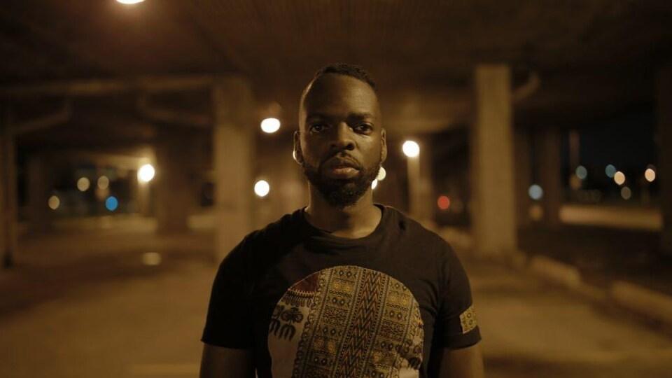 Ricardo Lamour, alias Emrical, est artiste et entrepreneur social.