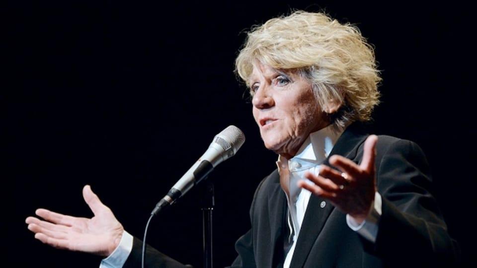 L'humoriste Clémence DesRochers annonce son dernier spectacle en carrière.