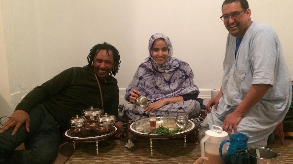 Le musicien Daby Touré, Atigh Ould et sa femme Sabah Ahmed