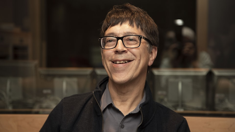 Gilles Valiquette sourit