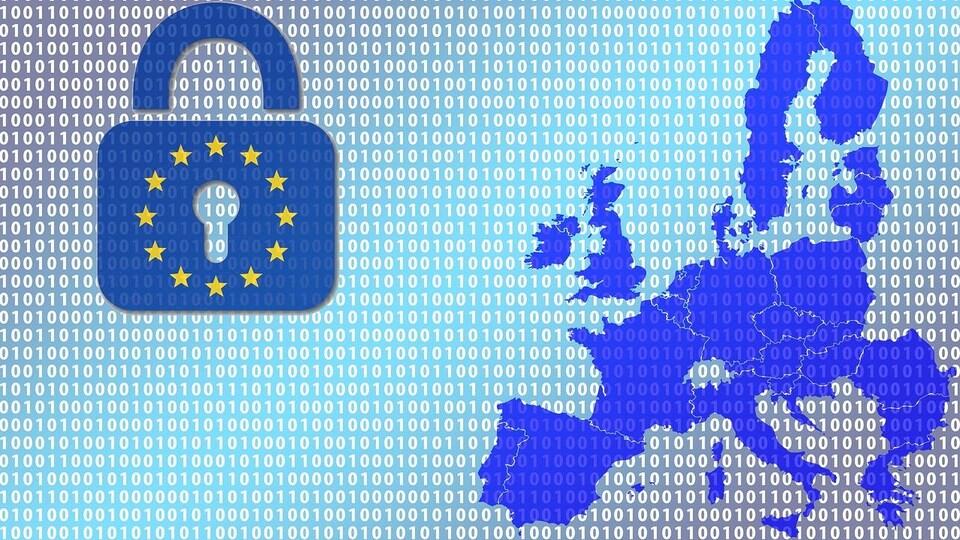 Un cadenas avec un signe de l'Union européenne et une carte des pays européens sur un fond de données numériques