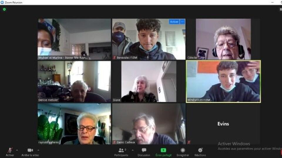 Une capture d'écran d'une rencontre ZOOM avec des aînés.
