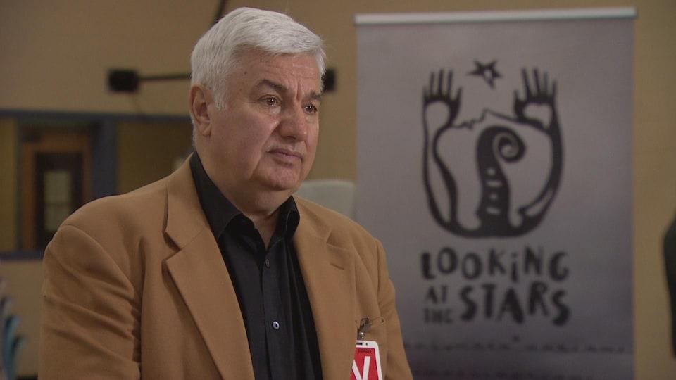 Dmitri Kanovich en entrevue.