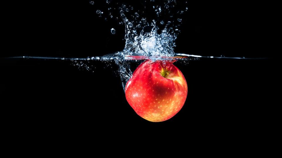 Le trempage d'une pomme dans une solution d'eau et de bicarbonate de soude est très efficace pour déloger les pesticides, stipule une nouvelle étude.