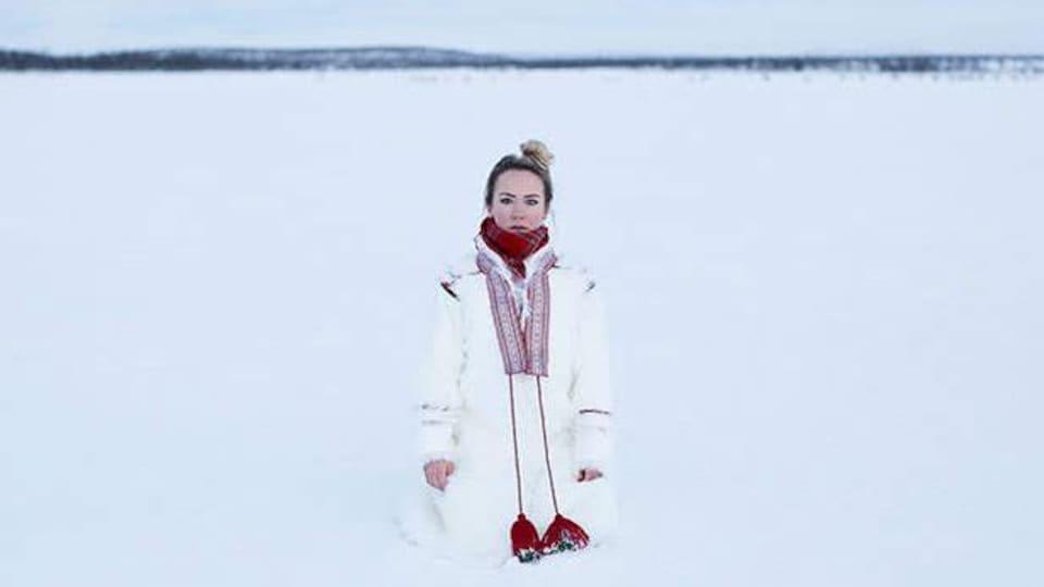 L'artiste sami Elle Marja Eira