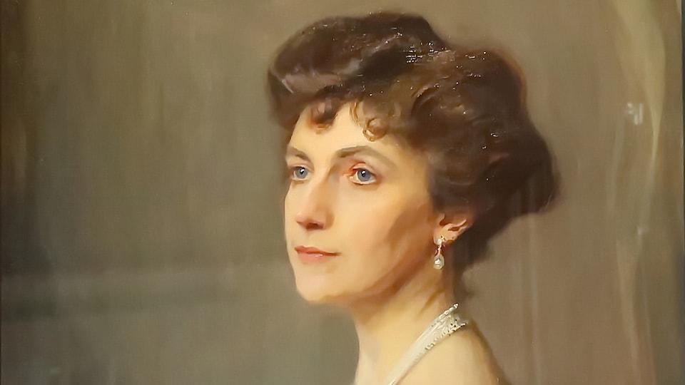 Huile sur toile représentant le portrait de Elsie Reford, exposé à la Villa Estevan, Grand-Métis