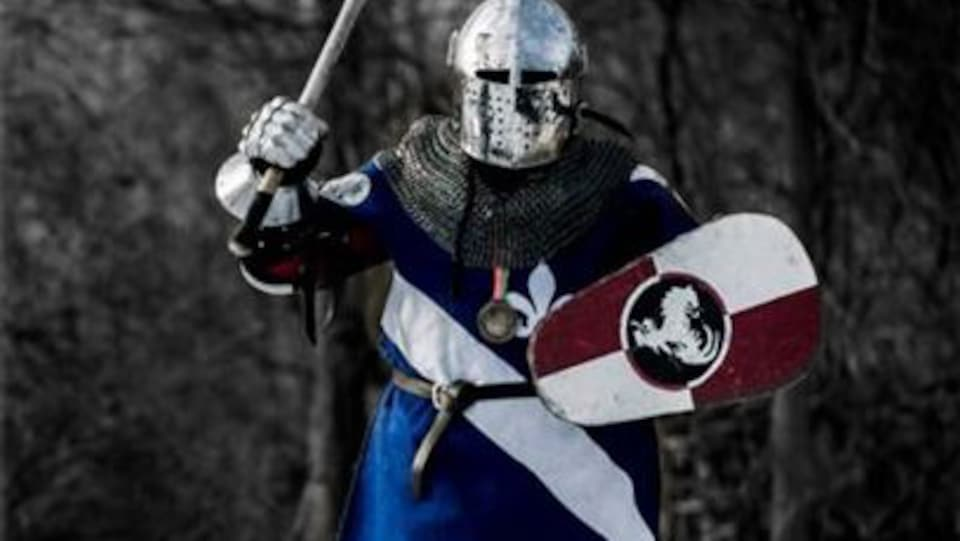 Christine St-Jean a découvert une nouvelle facette de sa personnalité grâce aux combats médiévaux.