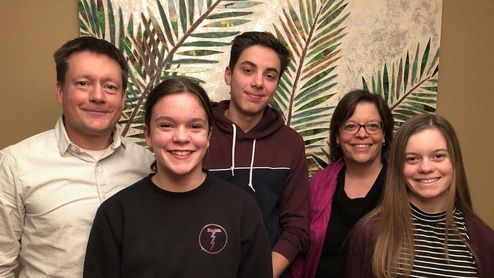 La famille Gascon-DeCelles, chez elle à Dartmouth en Nouvelle-Écosse.