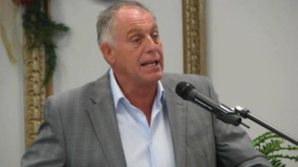 Le maire de Grand-Sault, Marcel Deschênes.