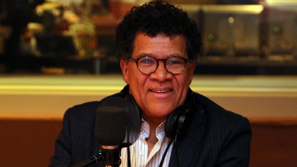 L'auteur franco-torontois d'origine haïtienne, Gabriel Osson