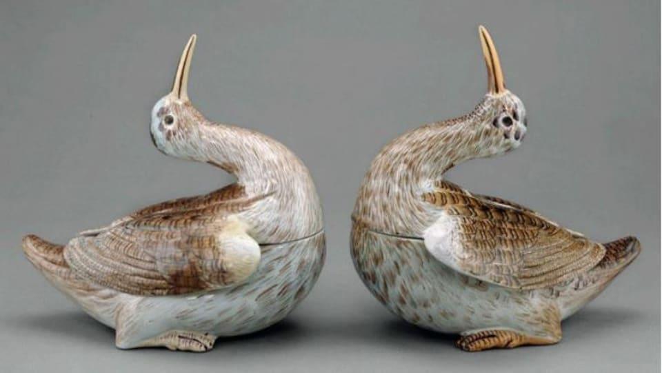 Deux terrines en forme d'oiseau