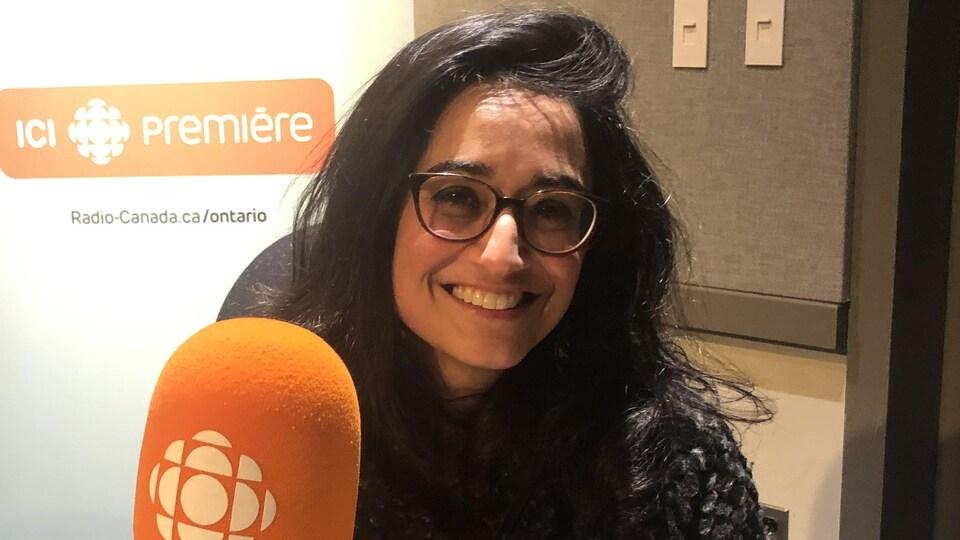 Shirin Shahrokni en entrevue à Radio-Canada à Toronto