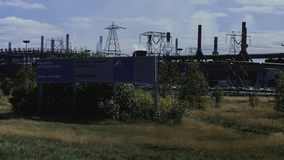 Photo datant de 1979 de l'usine d'Alcan, au Saguenay.