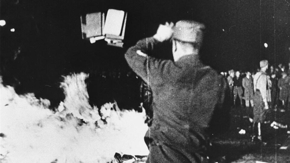 Autodafé du 10 mai 1933 à Berlin, en Allemagne.