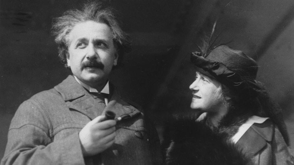 Albert Einstein et son épouse, Elsa Löwenthal.