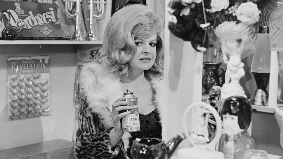 Luce Guilbeault dans La p'tite semaine, en 1973.