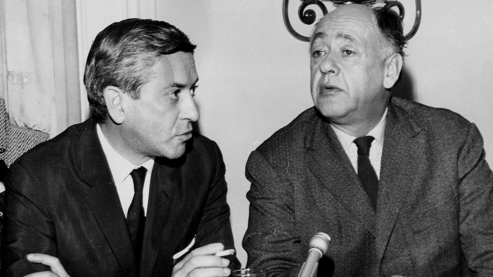 Eugène Ionesco (à droite) en entrevue avec Fernand Séguin pour l'émission Le sel de la semaine, en 1966.