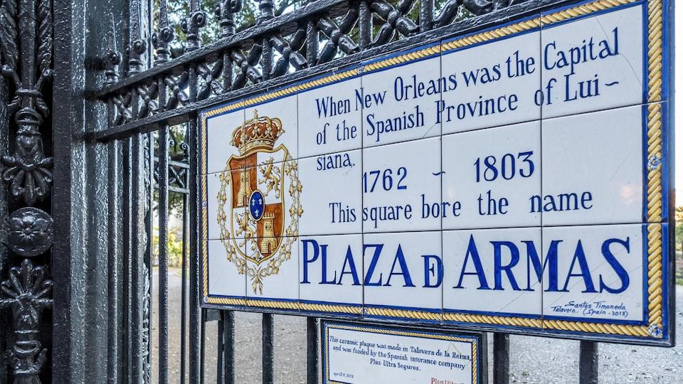 À La Nouvelle-Orléans, plaque commémorant la possession espagnole de la Louisiane de 1762 à 1803.