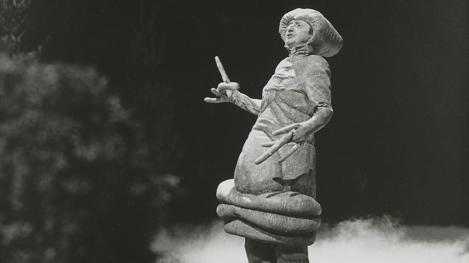Rose Ouellette déguisée en E.T. l'extraterrestre dans le Bye bye 82.