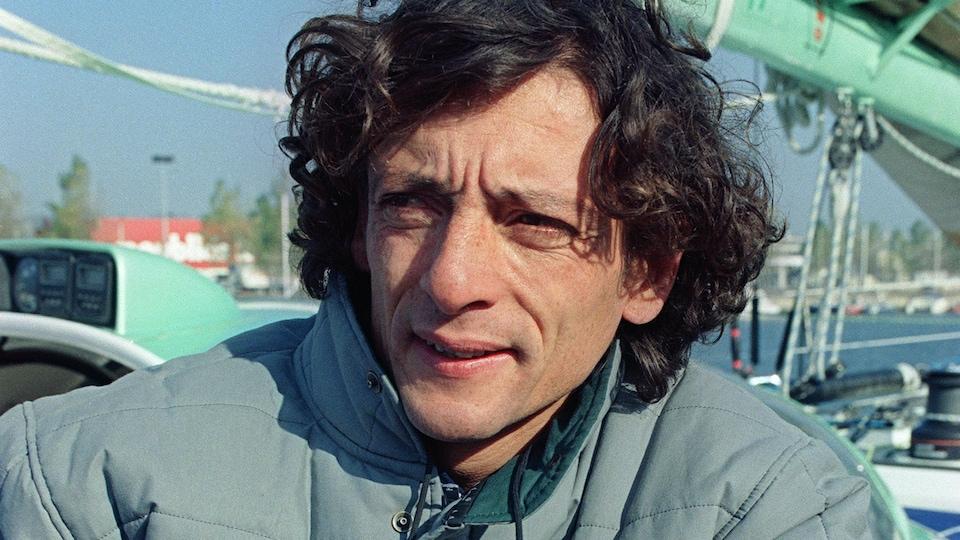 Le navigateur Gerry Roufs sur son voilier en 1993.