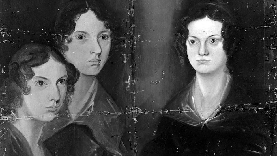 Une peinture en noir et blanc de trois femmes du 19e siècle.