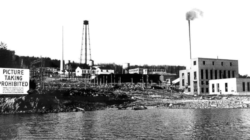 Le réacteur ZEEP (Zero Energy Experimental Pile ou réacteur expérimental à énergie nulle).