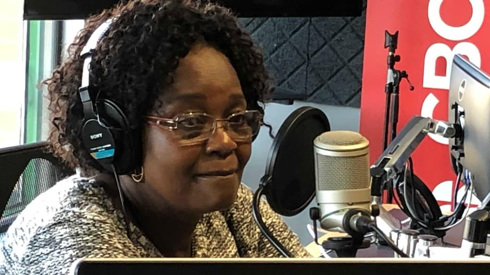 Marguerite Mbonimpa en studio