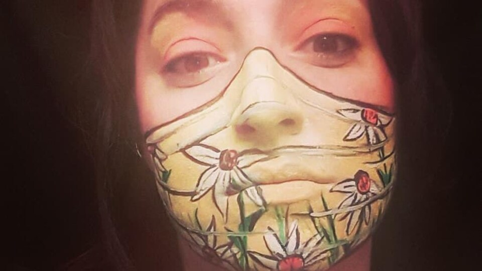Masque peint de Joe la Jolie.