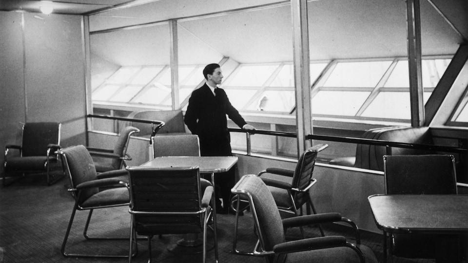 Salon à l'intérieur du dirigeable Hindenburg
