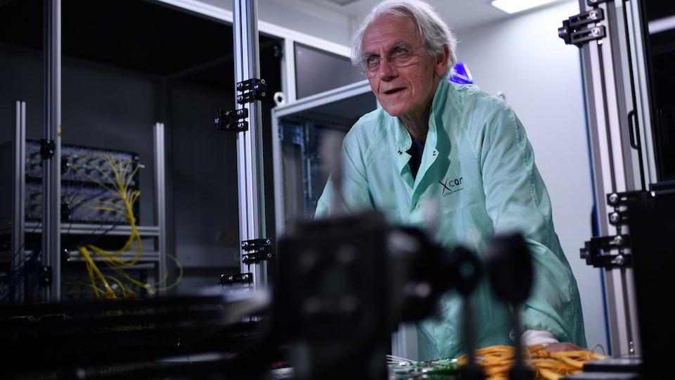 Gerard Mourou dans son laboratoire.
