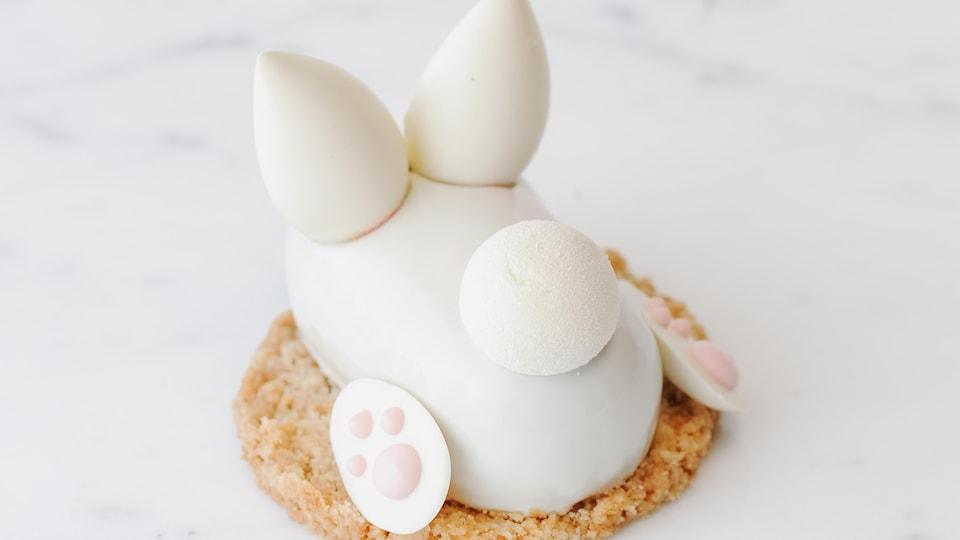 Une pâtisserie en forme de lapin.