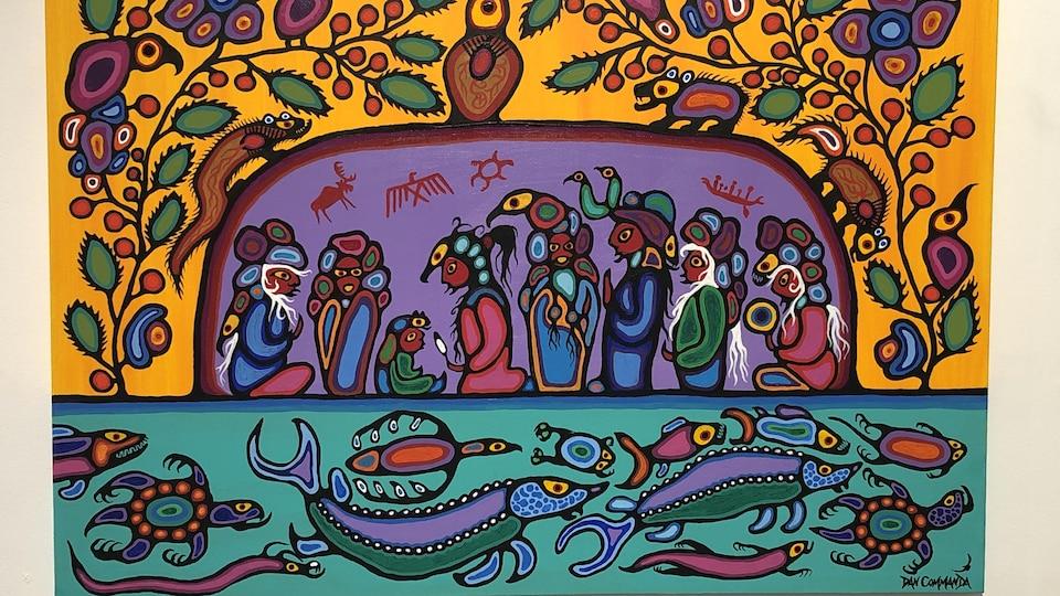 Tableau représentatif du style Woodland avec figures humaines et animaux stylisés, couleurs vives et symboles autochtones