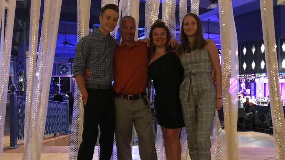 La famille Lavoie-Beaudry (de gauche à droite) Mathieu, Normand, Chantal et Mélissa tous souriants.