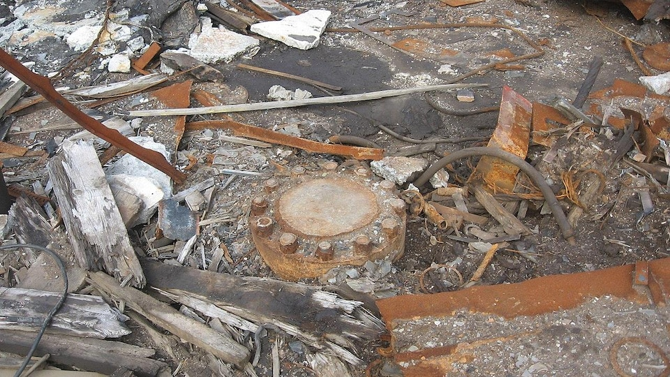 Une photo prise du site du forage de Kola, où l'embouchure du trou a été condamnée.