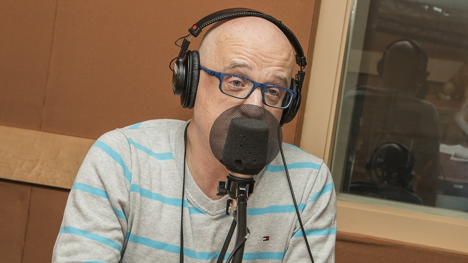 Alain Vadeboncoeur au micro de Catherine Perrin
