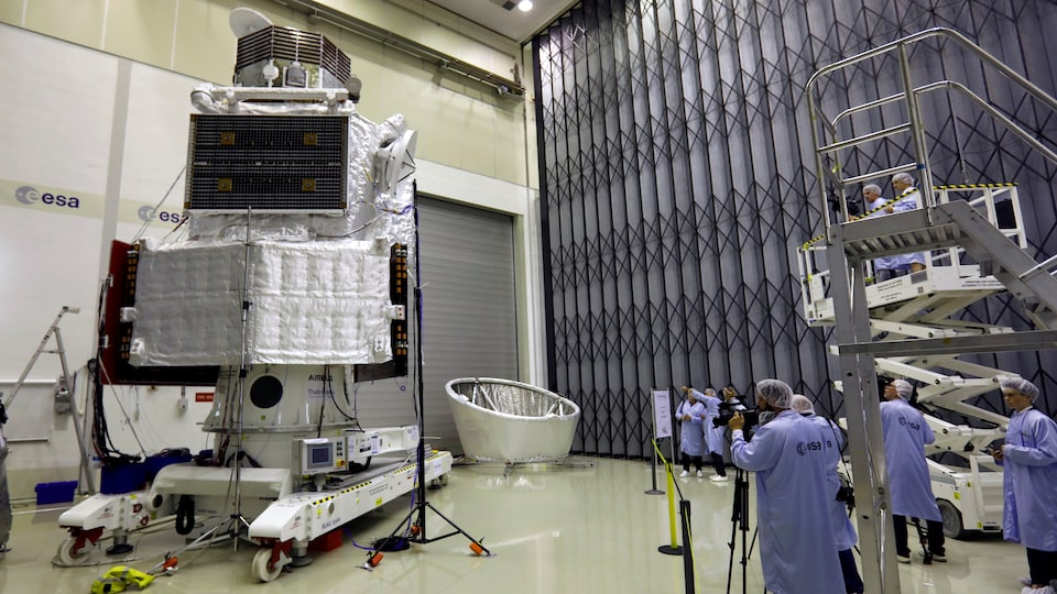 L'appareil BepiColombo à l'Agence spatiale européenne, aux Pays-Bas.