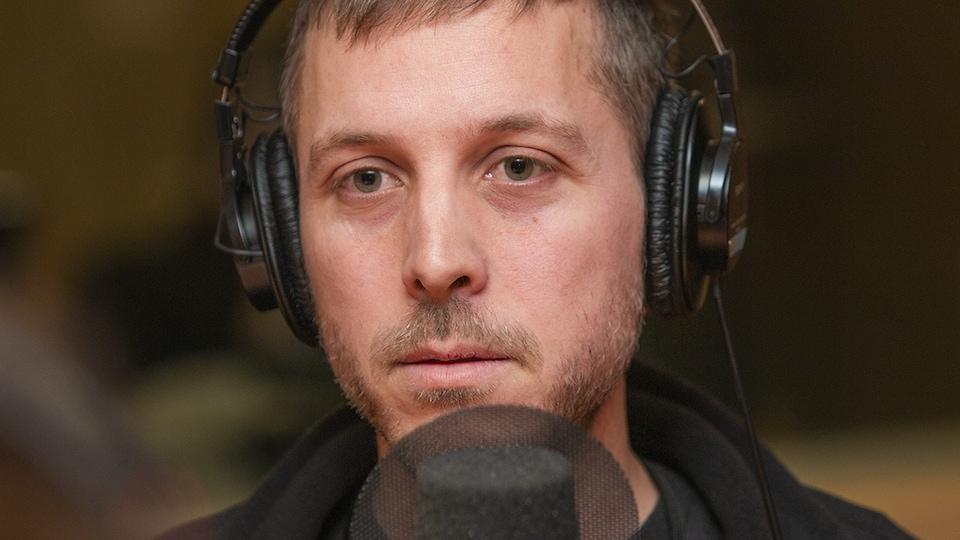 Nicolas Bérubé au micro de Catherine Perrin.