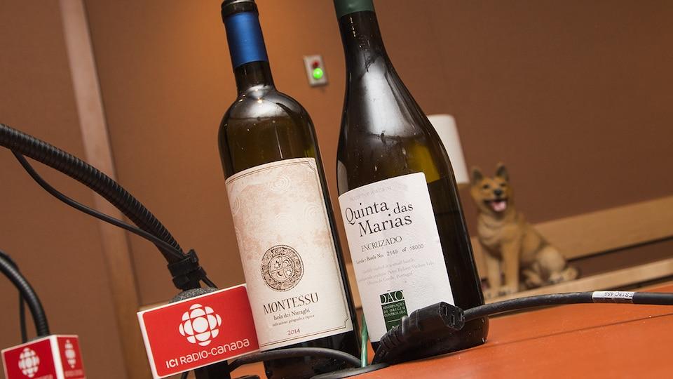 Les bouteilles du Quinta das Marias Encruzado Dão 2015 et du Montessu Isola dei Nuraghi