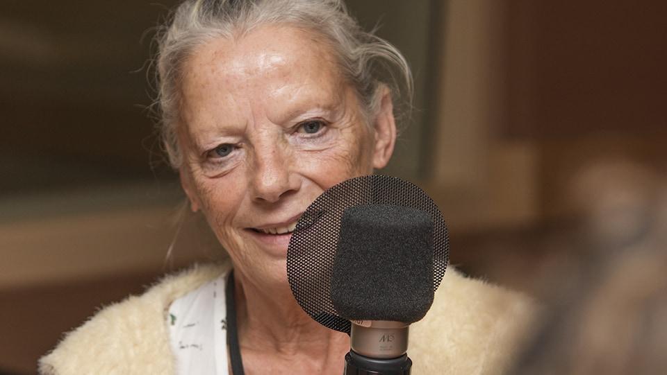 Rosen Hicher au micro de Catherine Perrin.