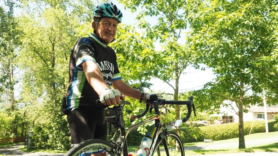 Jacques Gélineau, mordu de vélo