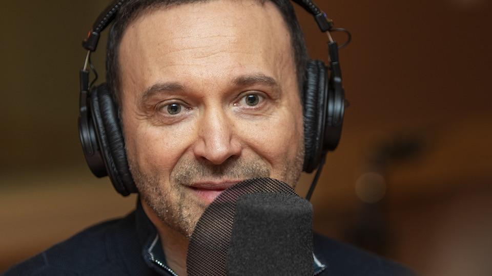 Joël Legendre au micro de Catherine Perrin.