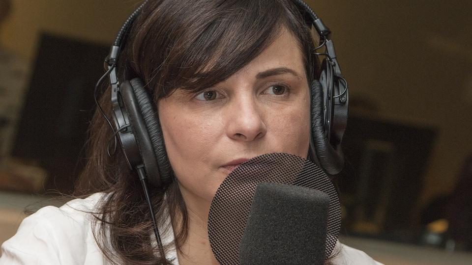 Annarita Zambrano au micro de Catherine Perrin.