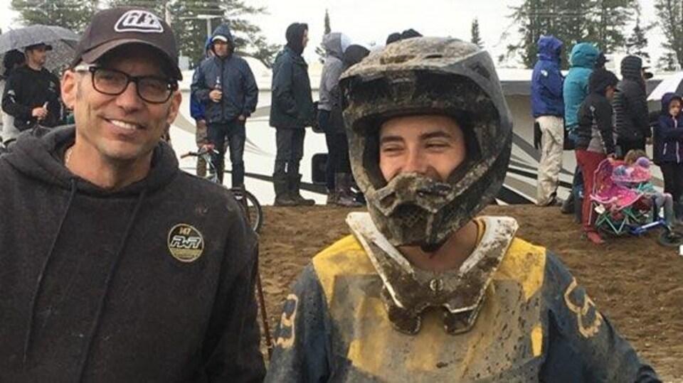 Tommy et Samuel Power ont une passion commune: la motocross.