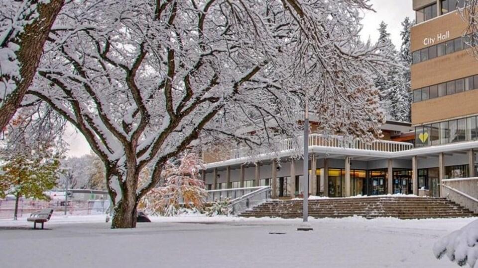 La ville de Prince George sous la neige.
