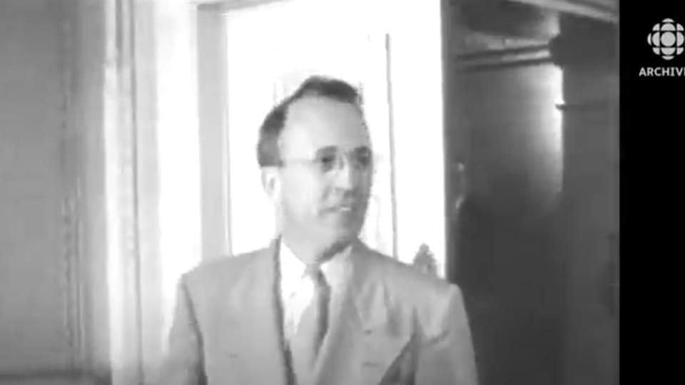 Tommy Douglas, premier ministre de la Saskatchewan de 1944 à 1961, a été élu comme premier chef du Nouveau Parti démocratique le 3 août 1961 au congrès de fondation de la formation politique.