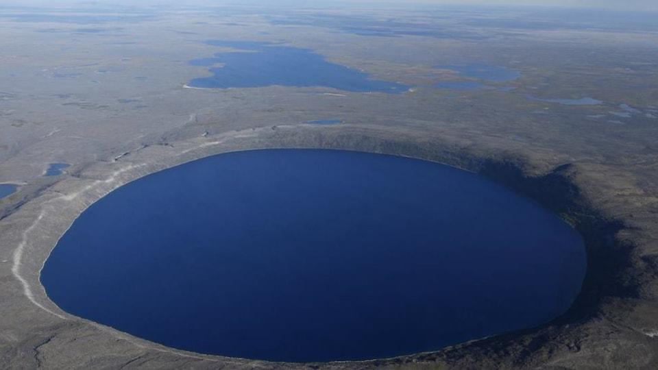 Un cratère
