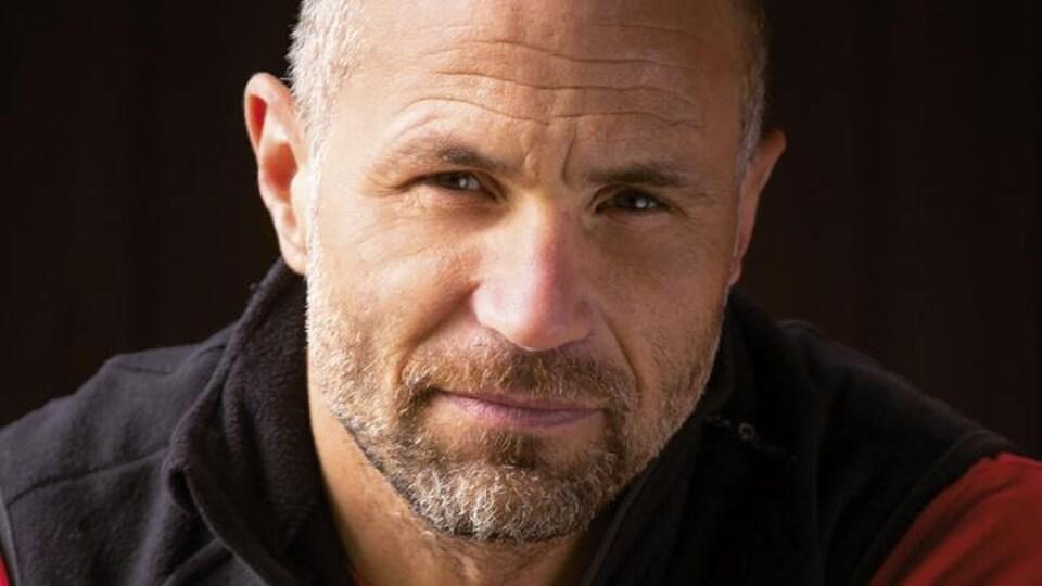 Photo de Christian Clot sur la couverture d'un livre.