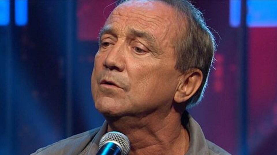 Prestation de Claude Dubois le 19 juin 2012